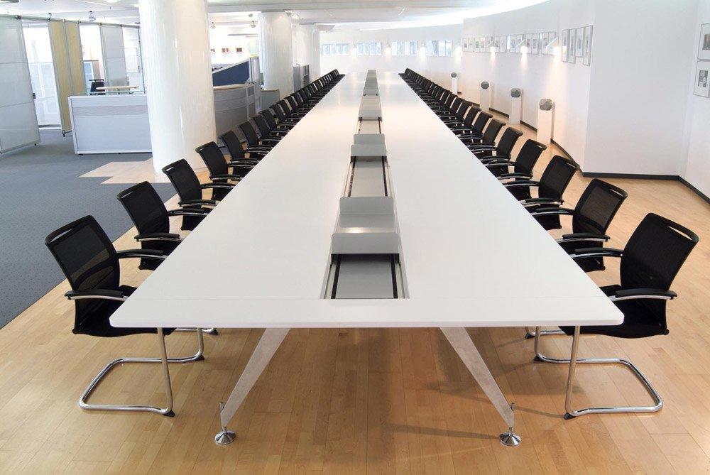 Grande table de réunion rectangulaire - Invitation