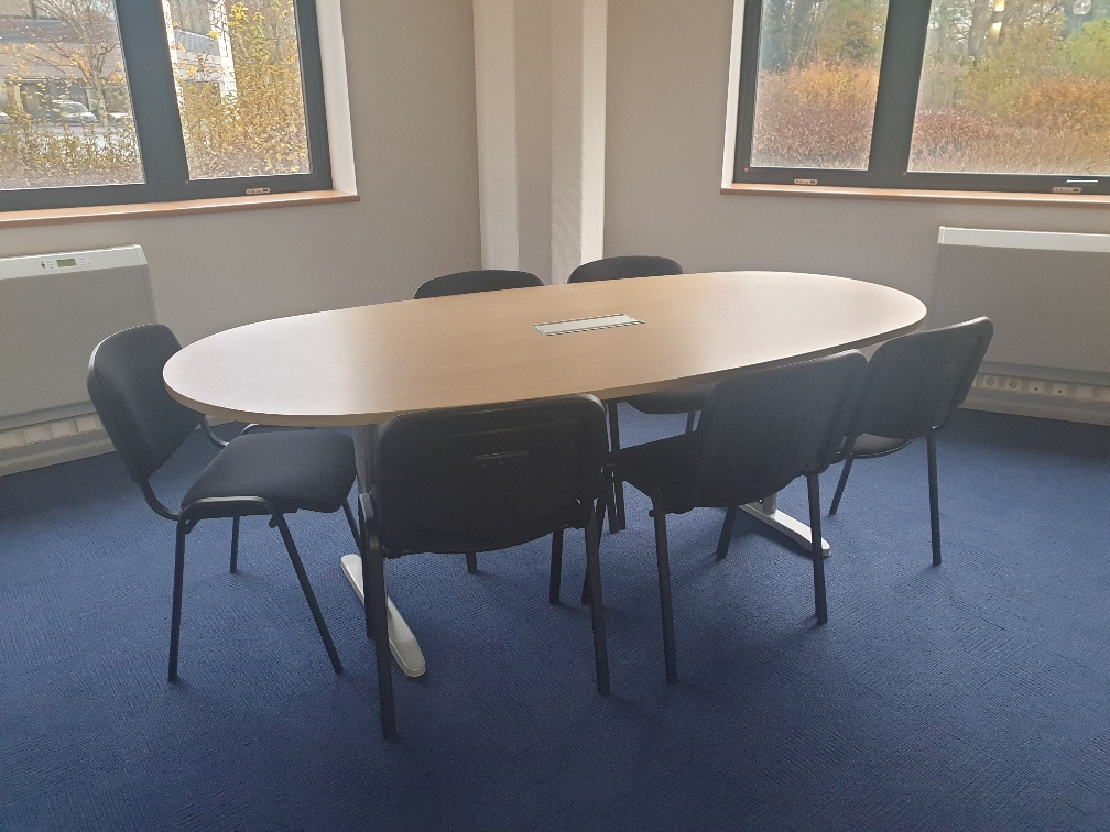 Salle de réunion 6 personnes